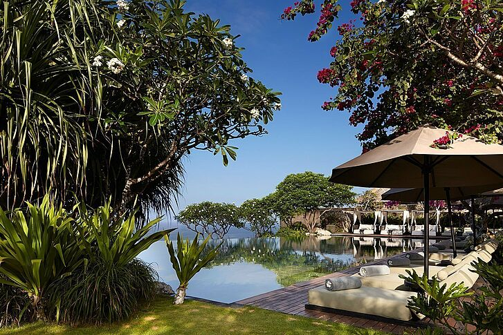 Cliff Side Pool Bulgari Resort Bali