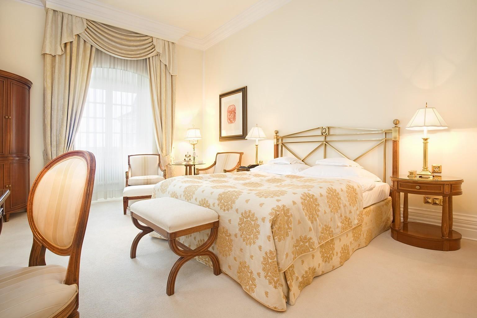 Schloss schlafzimmer modern for Prinzessin zimmer mobel