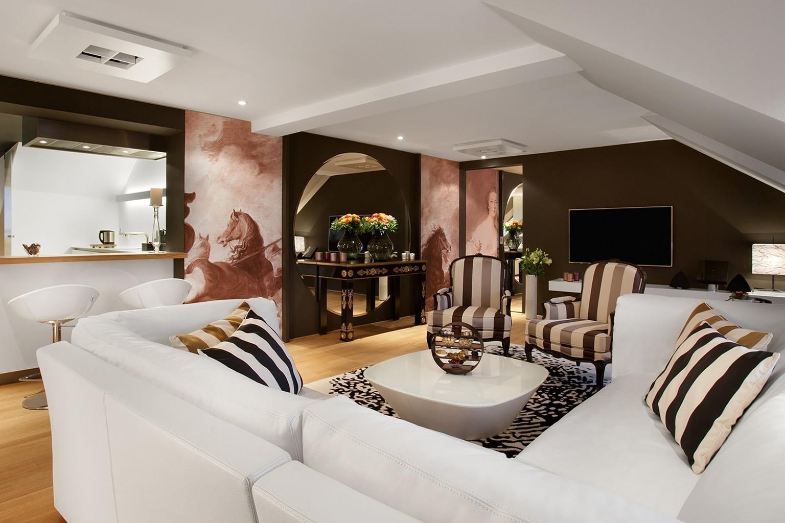 hotel vier jahreszeiten kempinski designreisen. Black Bedroom Furniture Sets. Home Design Ideas