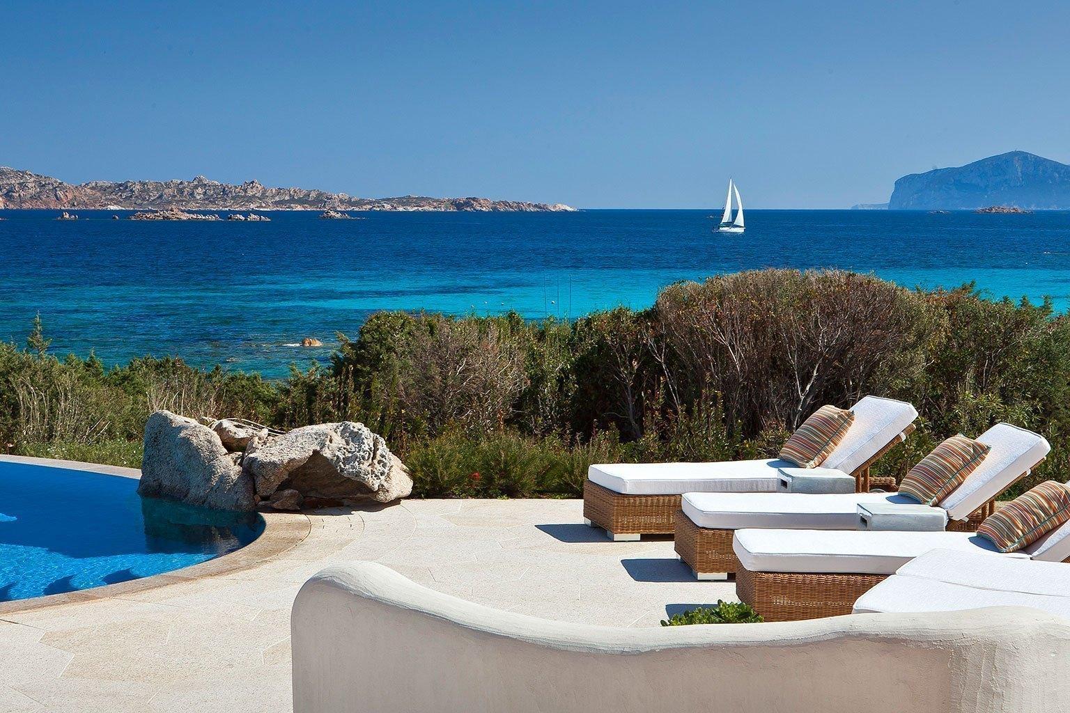 Hotel romazzino sardinien luxushotel bei designreisen for Sardinien design hotel