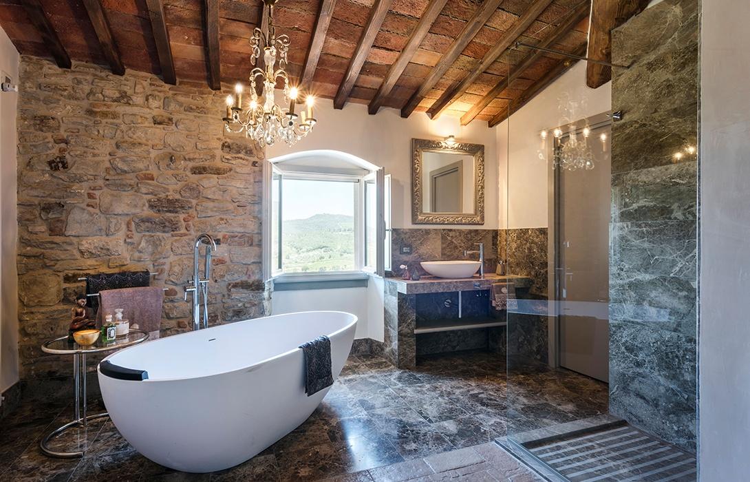 Standl-9-Vitigliano-Suite-Ruffoli-bath
