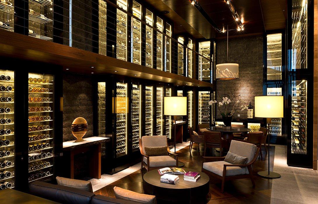 The-Wine-Cigar-Library_©The-Chedi-Andermatt