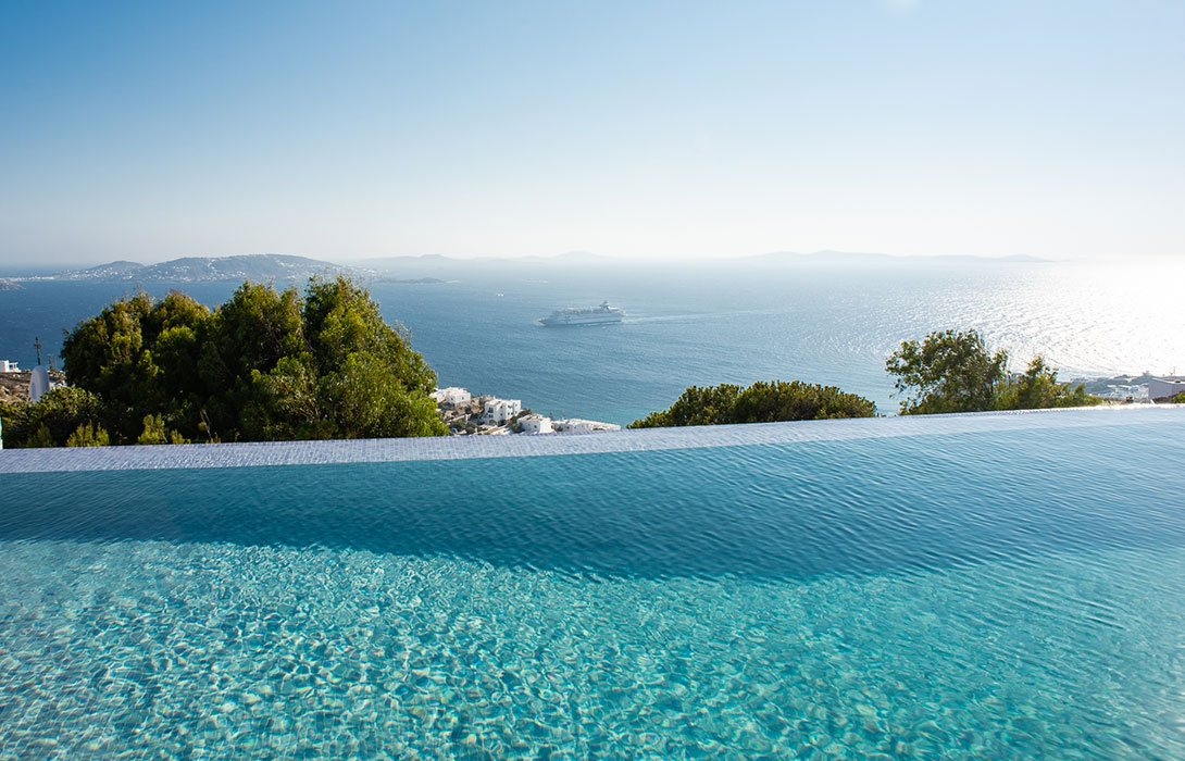 Sea-view-from-the-pool