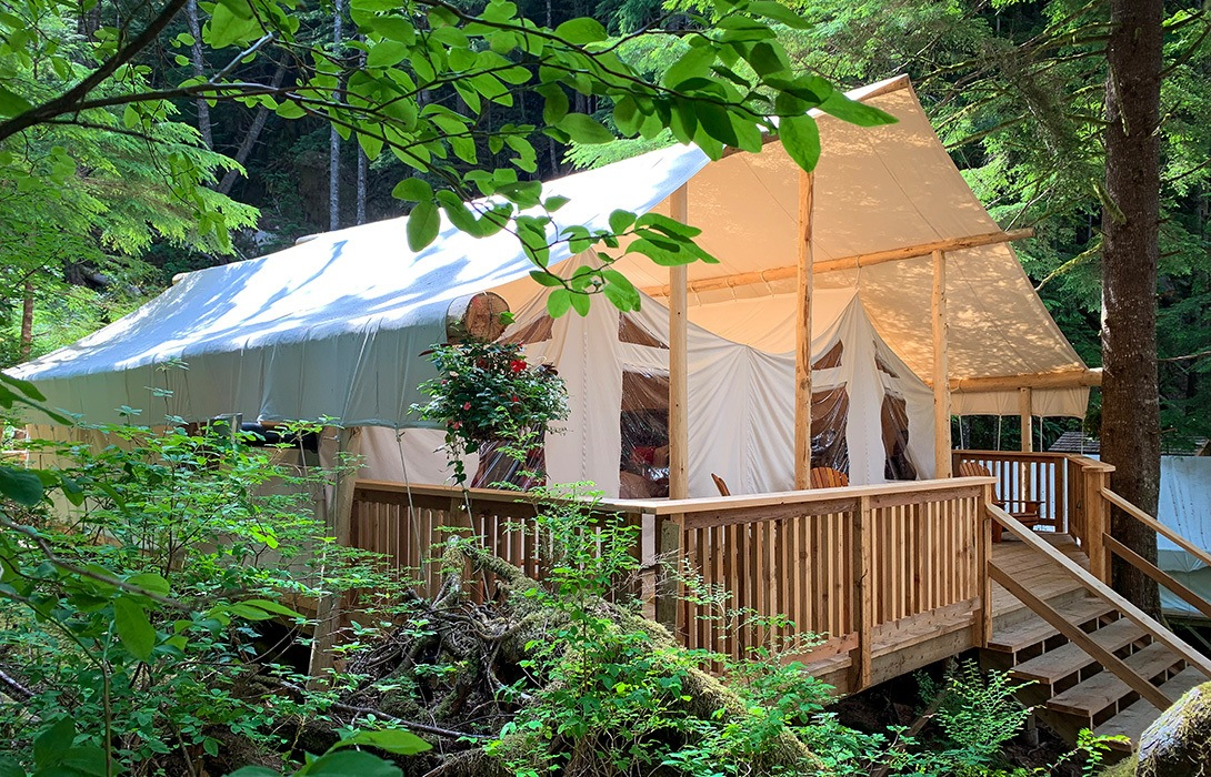 CWR_Family-Tent_Accommodation_Exterior