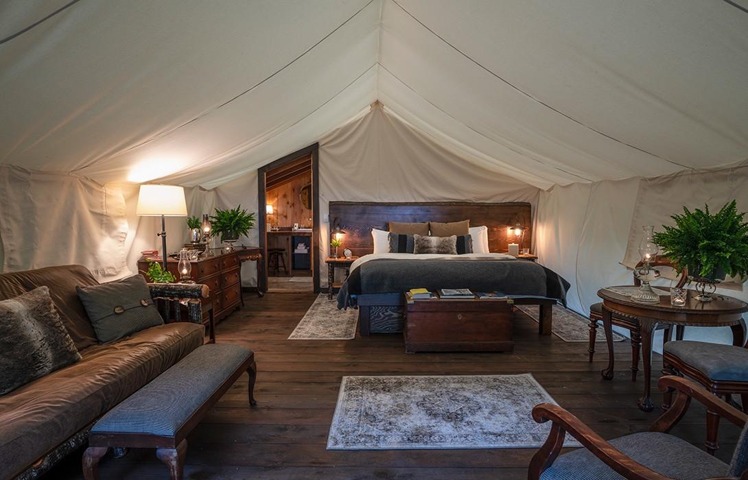 Clayoquot-Wilderness-Resort_Ensuite-Tent-Interior_Photo-Credit-Bryan-Stockton